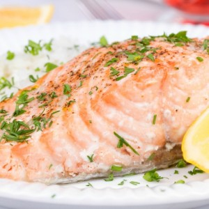 steamed salmon with fresh lemon