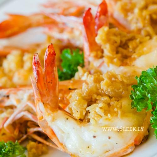 Pan-Seared Jumbo Shrimp With Garlic Lemon Butter | Sleek.ly
